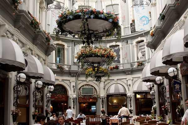 La Rue Istiklal Istanbul, Cicek pasajı