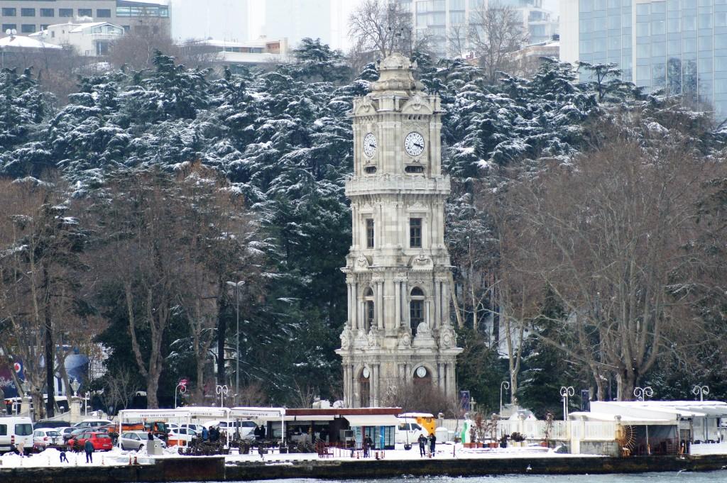 la tour de l'horloge du Palais de Dolmabahce