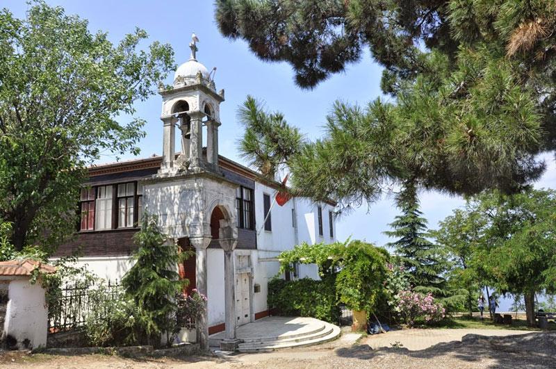 Les Îles Aux Princes, Istanbul-l'église aya-yorgi
