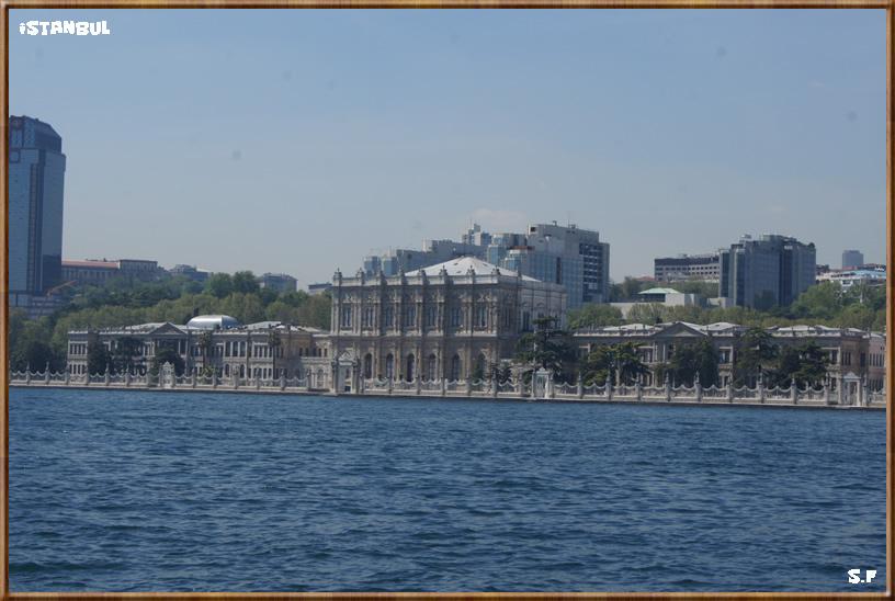 Le Palais De Dolmabahce, le Bosphore Istanbul